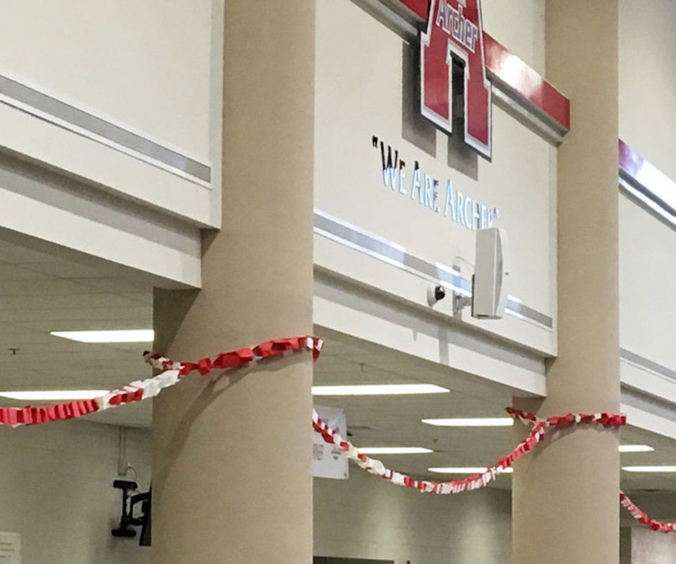 Archer students create chain of thankful sentiments