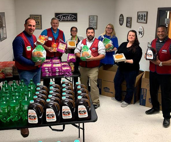 Baggett Elementary delivering meals to families during holiday season