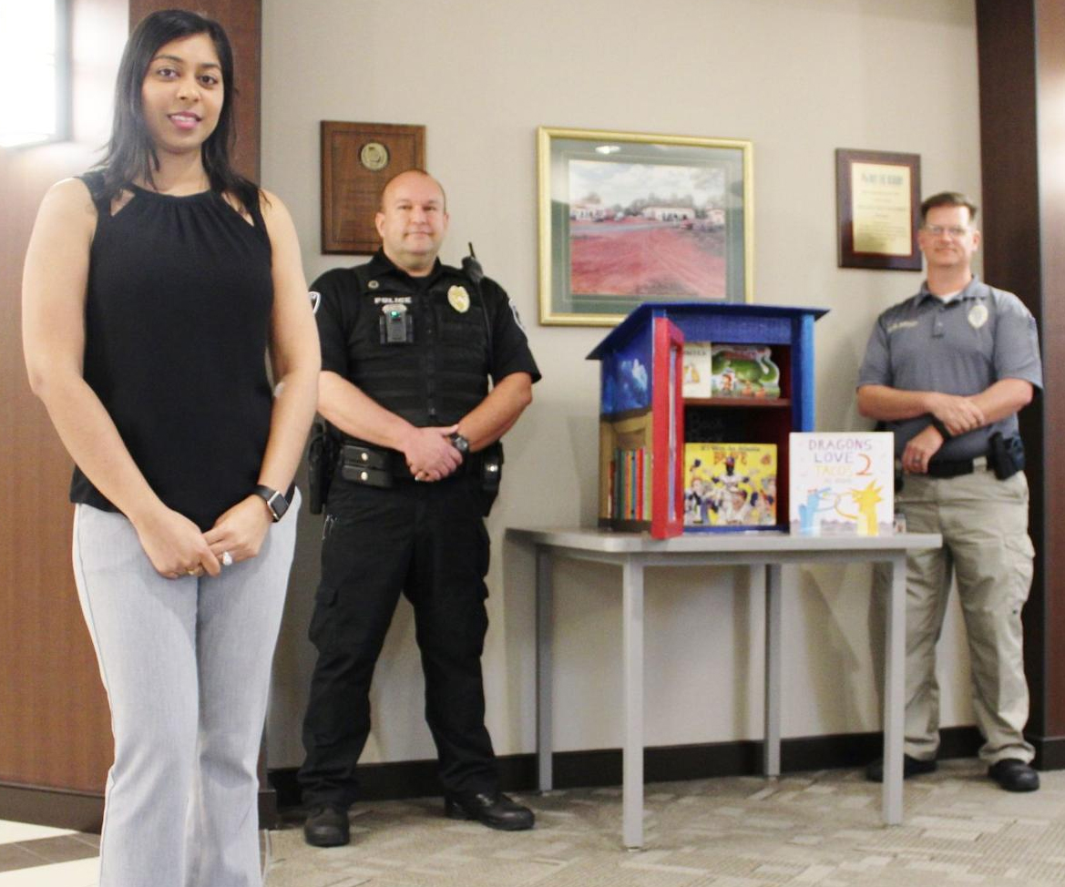 Snellville Police Department partners with G.R.E.A.T. Little Minds for summer book drive